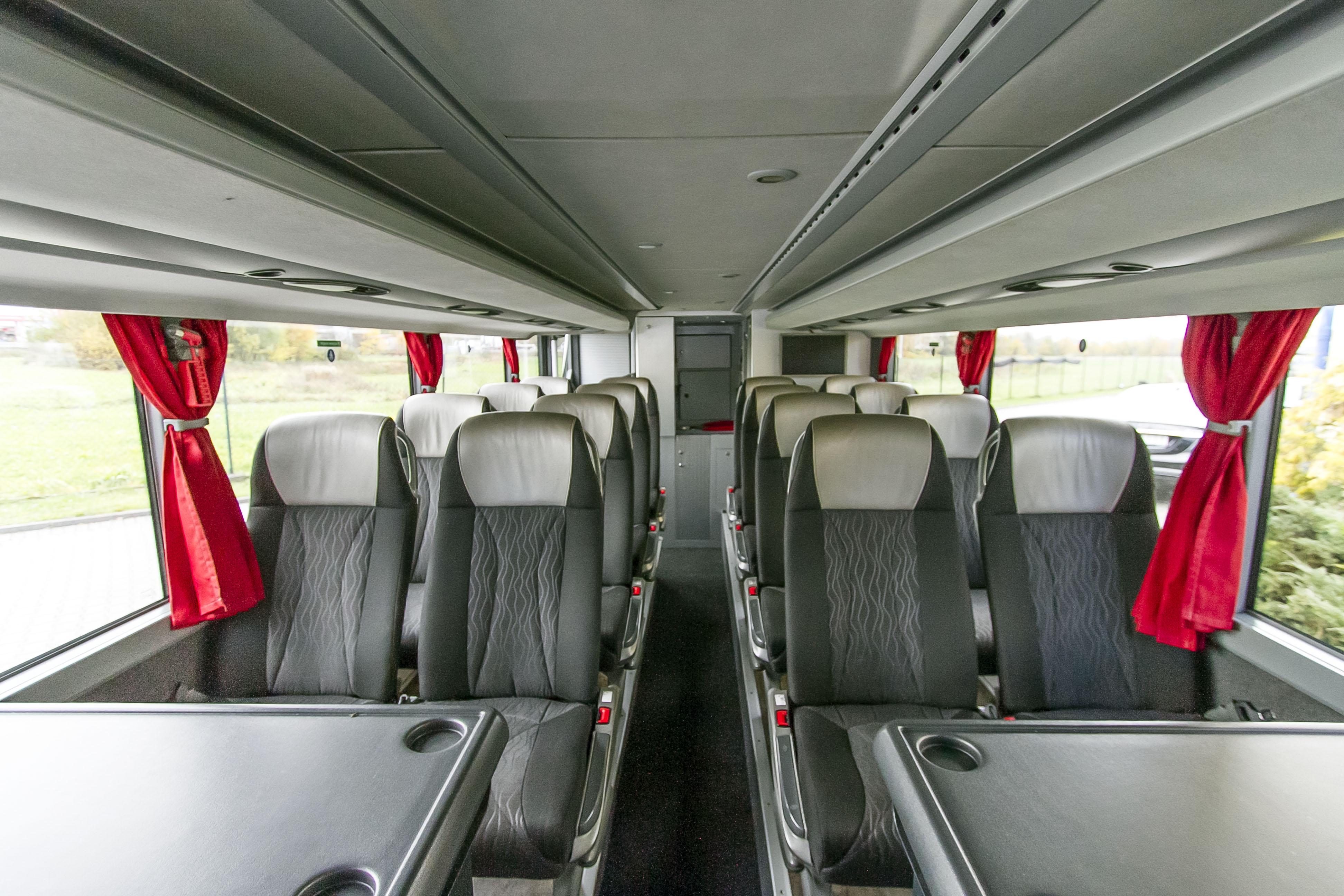 Wnętrze luksusowego autobusu_Bomatur